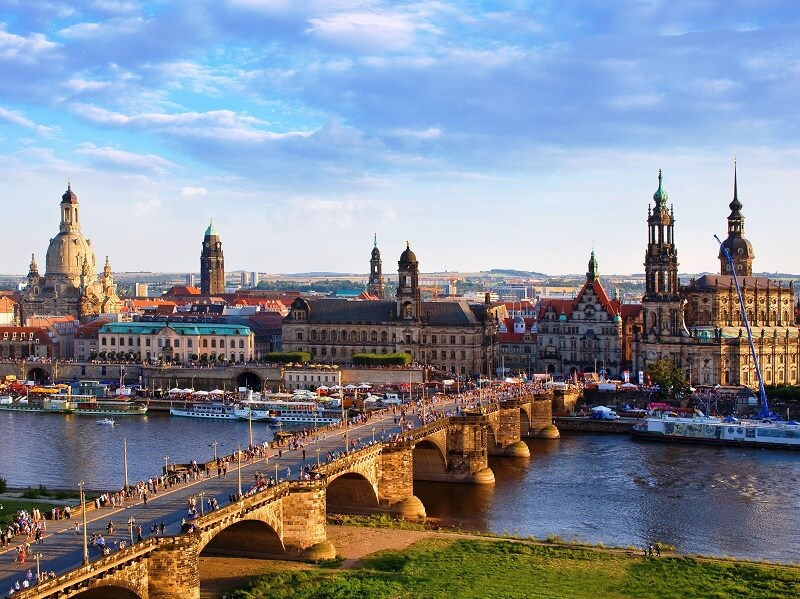 Como alugar um carro em Dresden na Alemanha