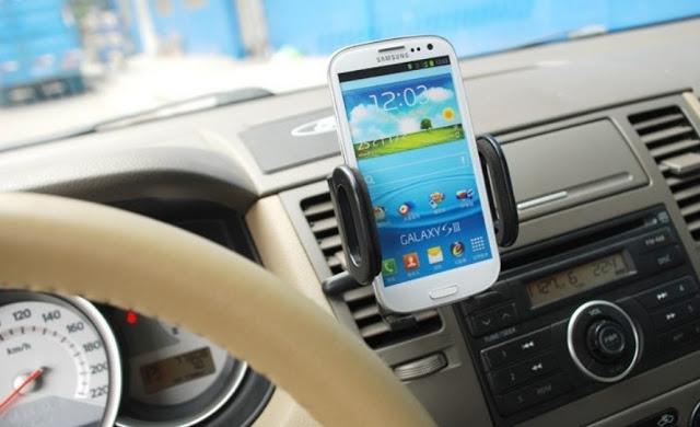 Celular como GPS no carro alugado em Victoria